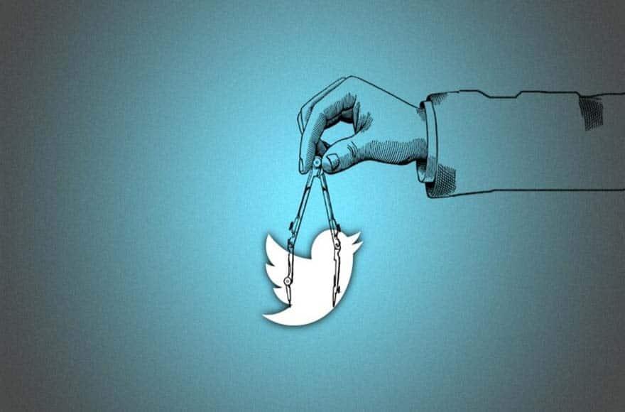 Un visuel représentant une main tenant un oiseau par une chaîne