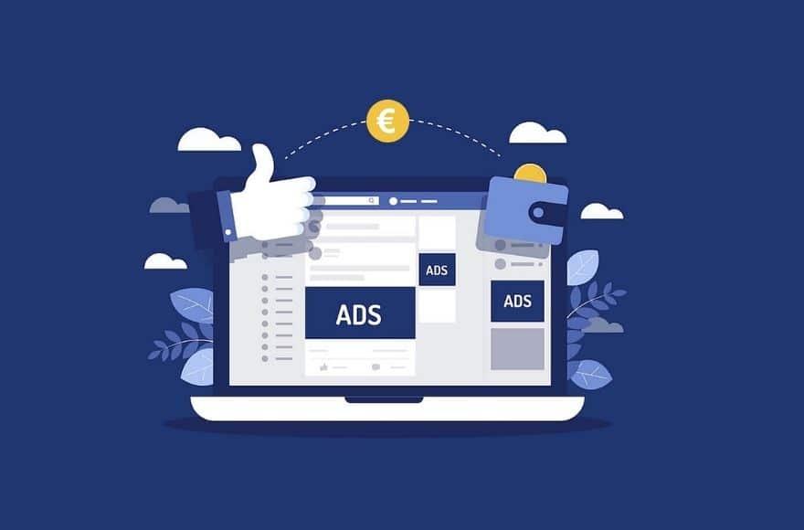Ordinateur portable avec des Facebook Ads