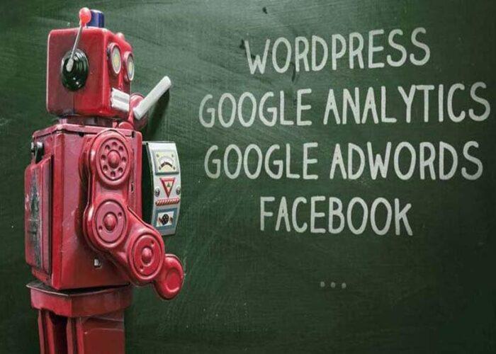 Le robot rouge d'Editoile Académie, formation à Wordpress, Analytics, Adwords, Facebook