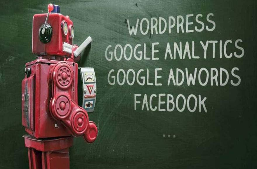 Le robot rouge d'Editoile Académie, formation à WordPress, Analytics, Adwords, Facebook