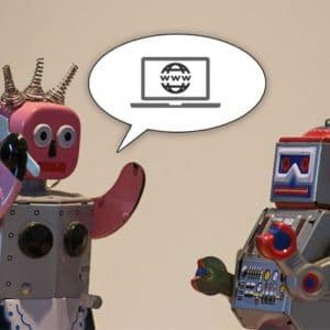 Deux robots discutent du web.